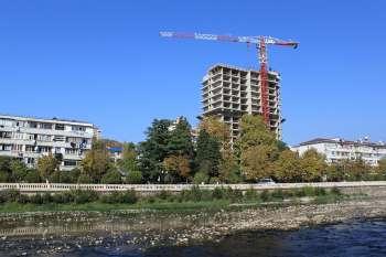 Офисно–медицинский центр с жилыми помещениями по ул.Чайковского в Центральном районе г.Сочи, Этап возведения здания, 25.10.2009