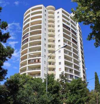 18-и этажный жилой дом по ул.Демократической, 43 в Адлерском районе г.Сочи